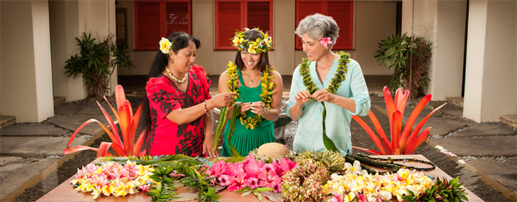hana-lei-making