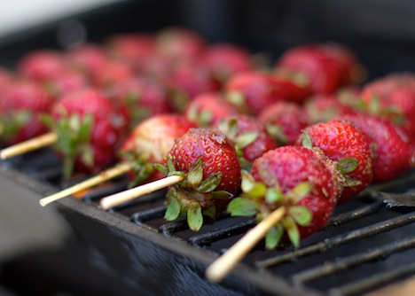gwg-grilled-strawberry-4